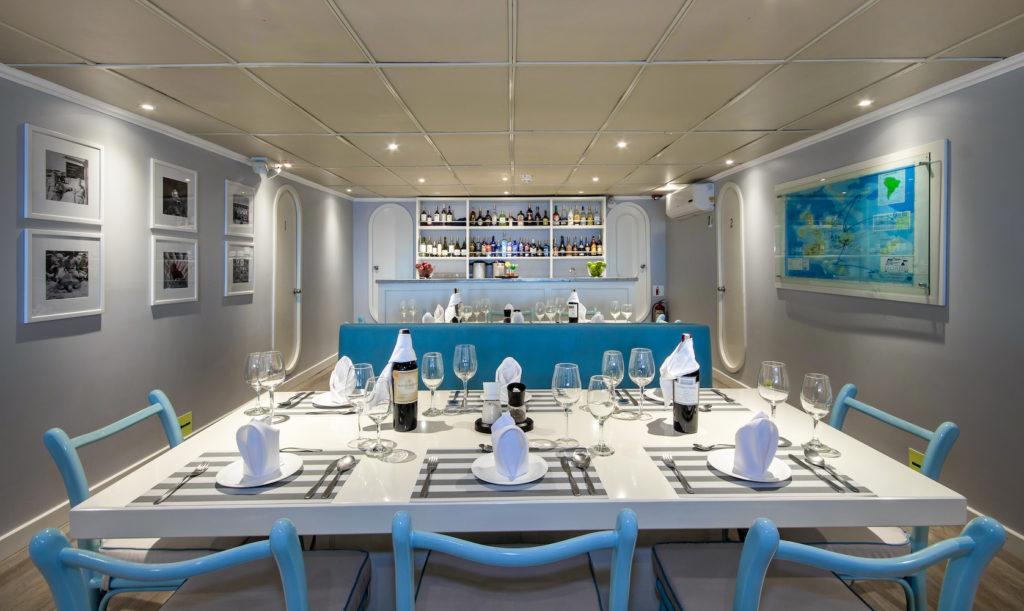 Archipel 1 Dining area
