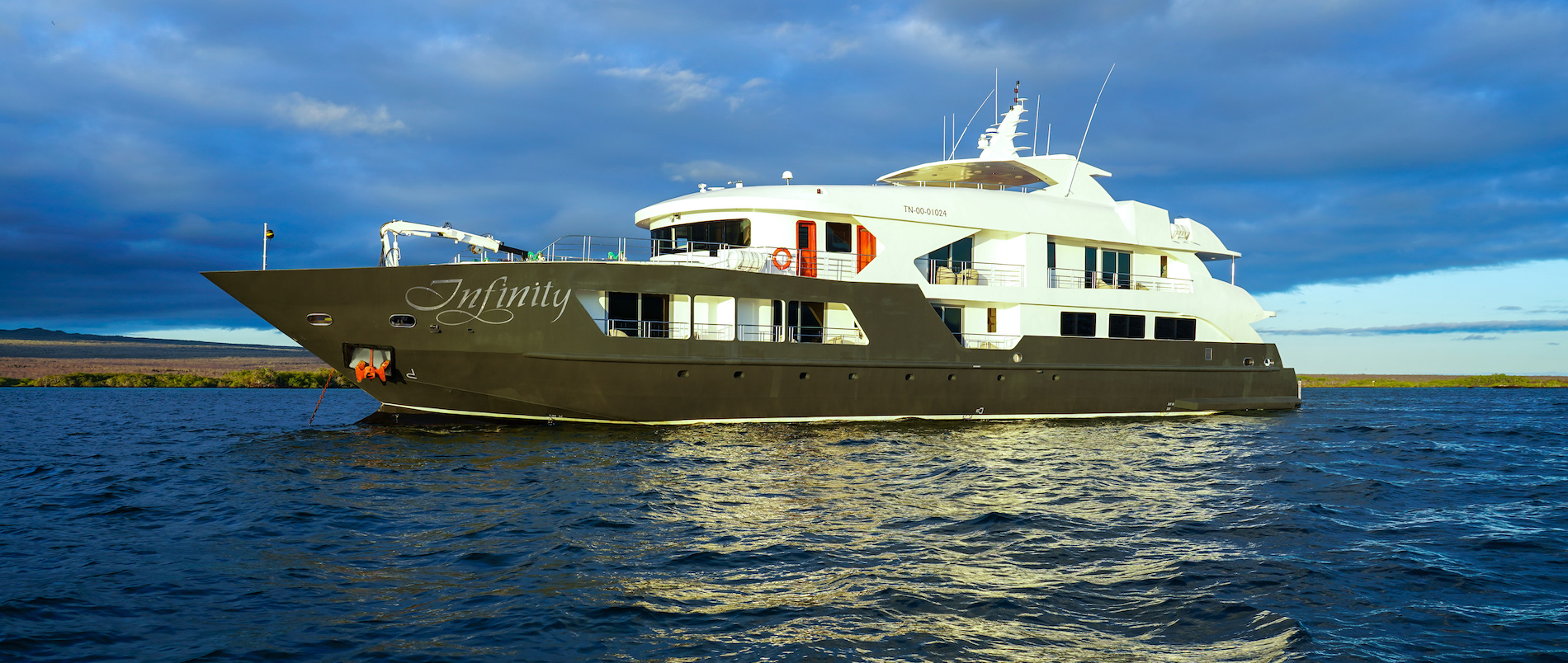 M/Y Infinity Galapagos Yacht